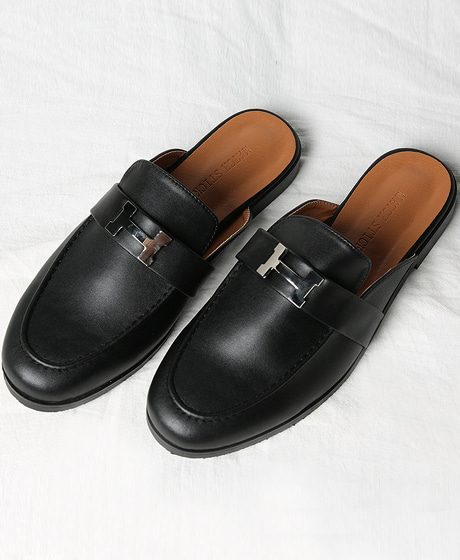 A-5850HRMS METAL LOGO PATCHED LEATHER LOAFERSColor : 1 colorMaterial : leather